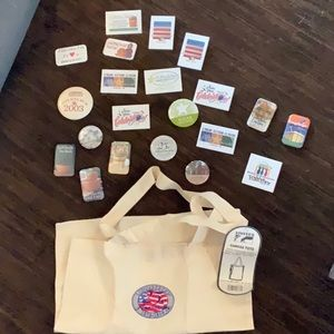 Longaberger 21 pins and 25th Anniversary tote NWT